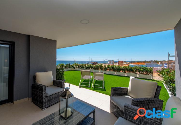 Apartamento en primera línea de playa en orihuela costa (punta prima)