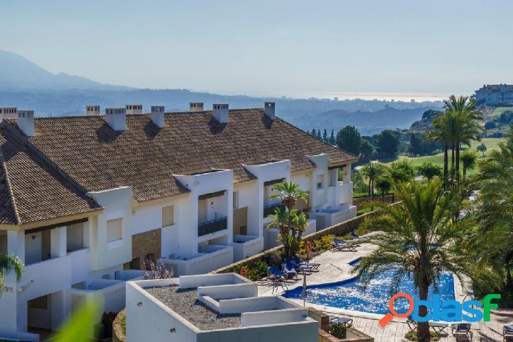 Fantástica Casa Adosada en venta con vistas y jardín en La Cala Resort, Mijas Costa