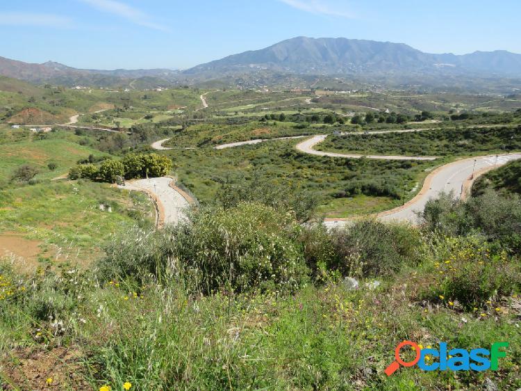 Parcela en venta para construir villa en La Cala Golf Resort, Mijas Costa