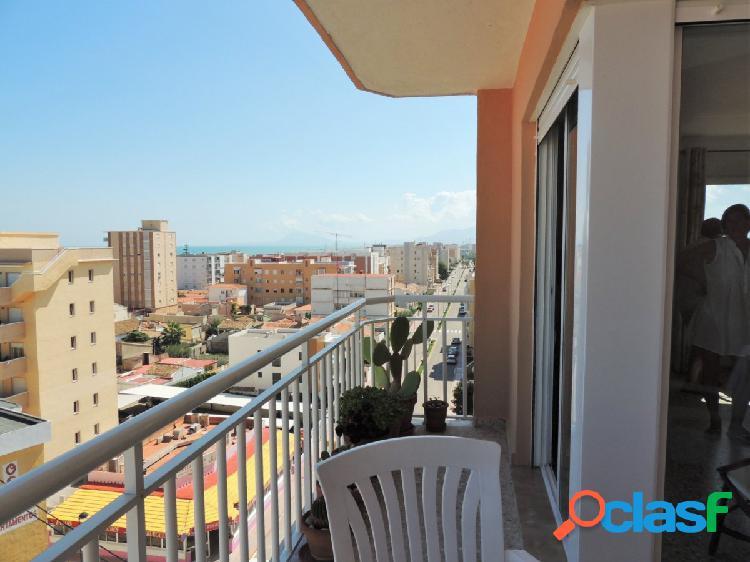 Apartamento con magnificas vistas. playa de piles