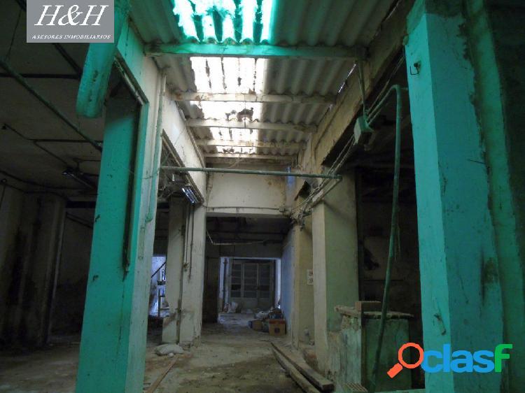 Se vende bajo comercial para reformar en Burjassot. /H H Asesores, Inmobiliaria en Burjassot/