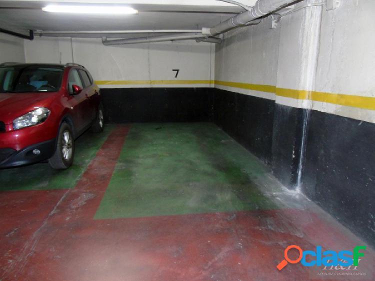 Hh vende plaza de garaje en burjassot // h h asesores inmobiliarios en burjassot/.