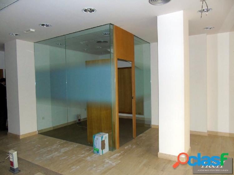 Se alquila oficina/local en zona ayuntamiento. / hh asesores, inmobiliaria en burjassot/.