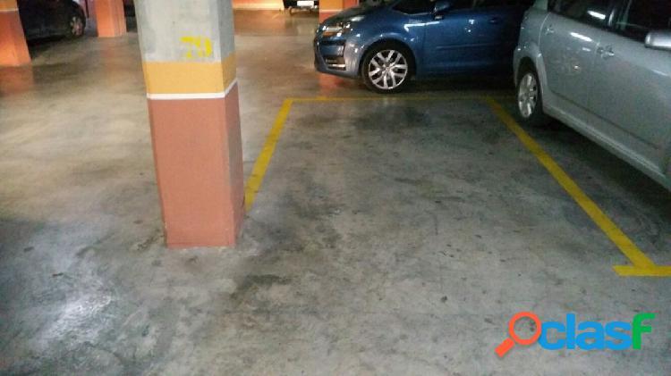 """3 plazas de garajes:vendo/alquilo nrs.78-79 y 80"""" residencial puerta del principe"""" barrio san gines"""
