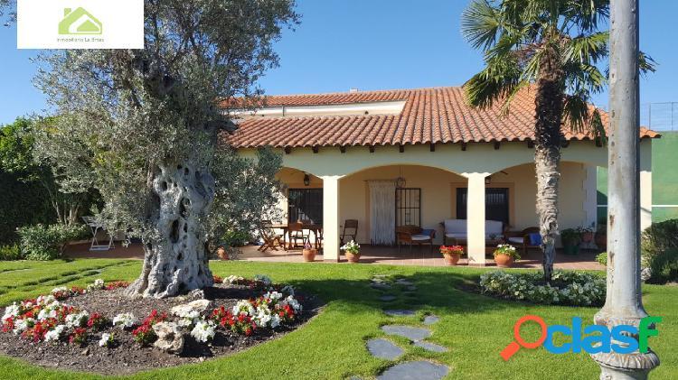 Casa con terreno en venta en bamba