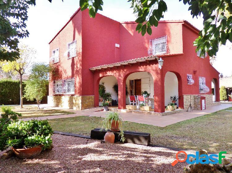 Chalet unifamiliar en San Juan Pueblo 5 dormitorios a un paso de todos los servicios. 1