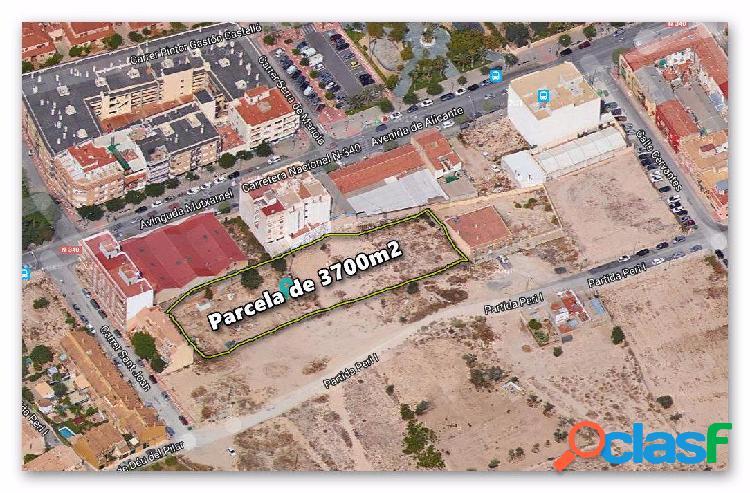 Se vende parcela en mutxamel de 2.139,37 m2 con licencia y proyecto para construir, para empezar ya.