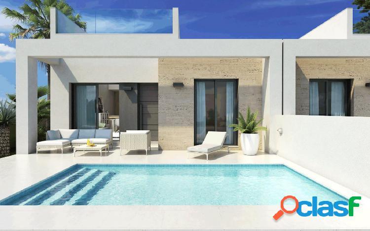 Fantasticos bungalows nuevos con piscina propia a 10 minutos del la playa de guardamar