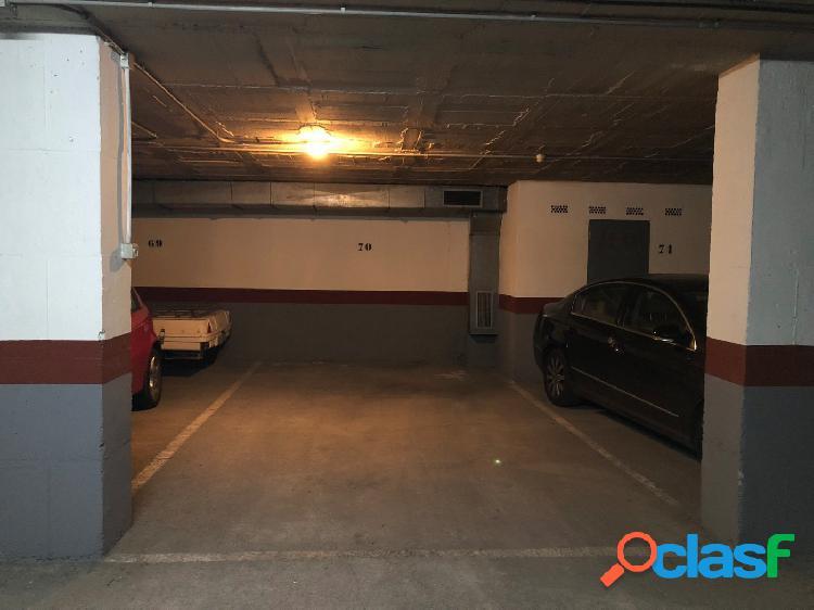 Plaza de aparcamiento grande