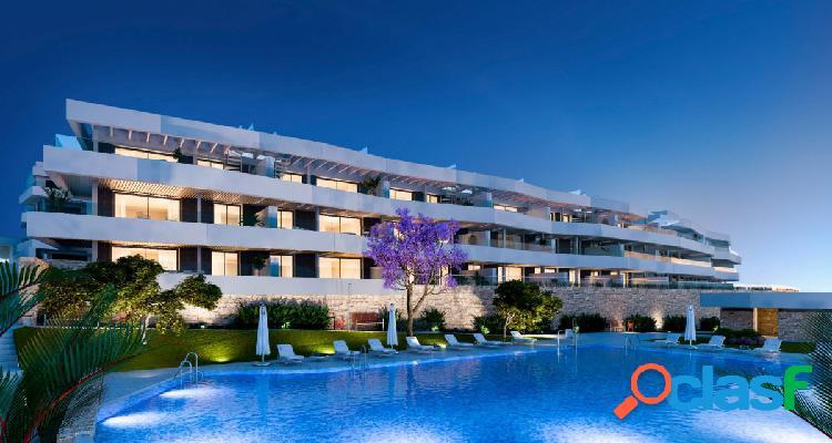 A estrenar... elegante apto. en golf valle romano (costa del sol), una habitacion, terraza y jardín