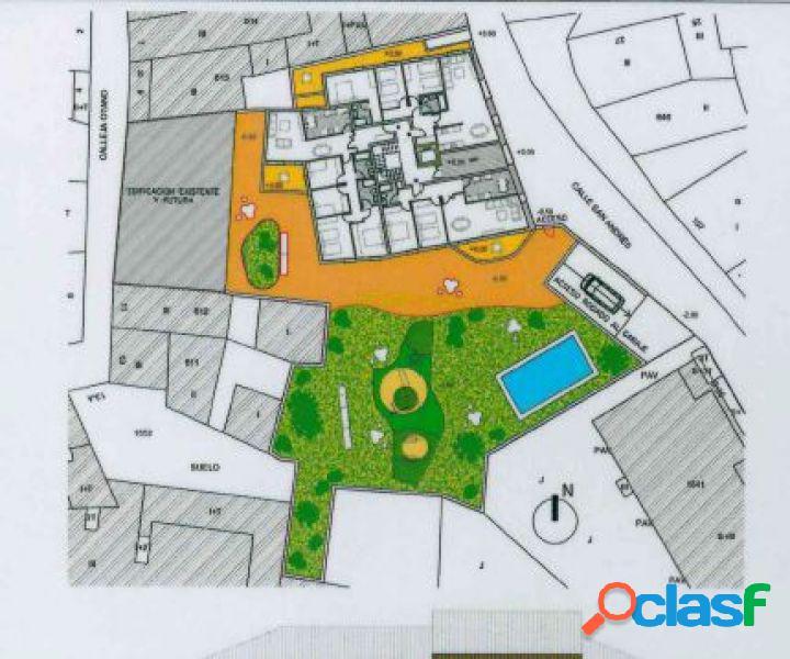 Casa pàlacio en el pueblo de larraga con proyectopara realizar 11 viviendas con zona comun y piscina
