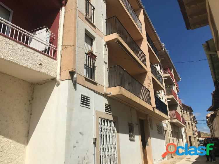 Duplex atico con terraza de 165 metros con 4 habitaciones y 3 bañós