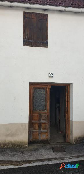 Casa para reformar entera con muy buena ubicacion