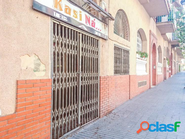 Local comercial en sant andreu de la barca a reformar - barcelona