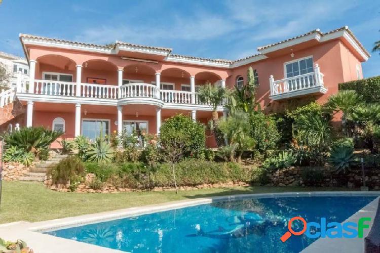 Maravillosa villa de lujo con vistas panorámicas al mar!