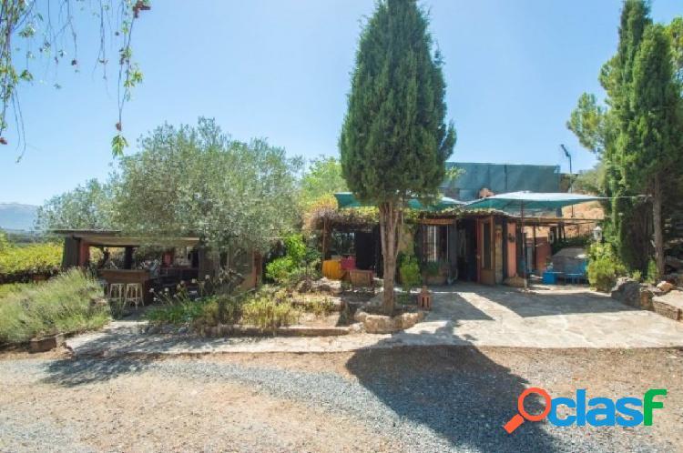 """Preciosa villa con estilo árabe sobre """"suelo urbano"""" con 2 cabañas de huéspedes"""