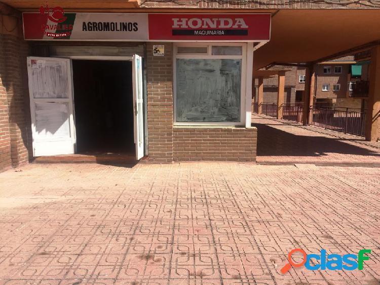 Local comercial 204m2 en zona comercial proxima a las paradas del autobuses y al centro urbano