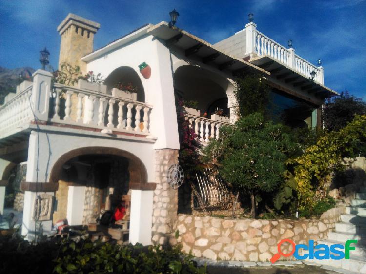 Villa con vistas panorámicas al mar y la montaña