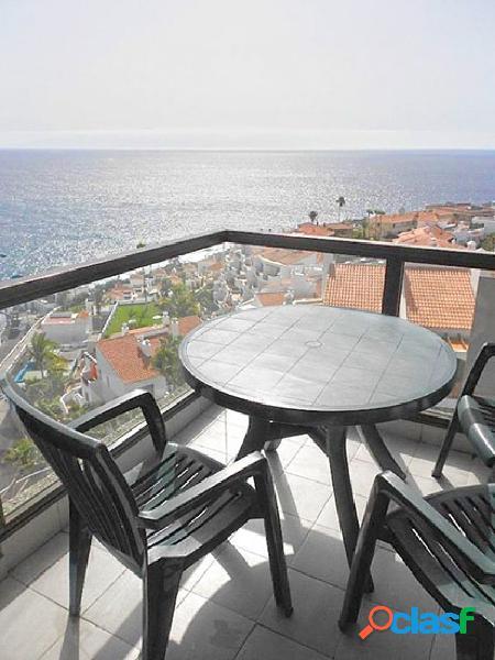 Se venden 7 apartamentos en santiago del teide zona puerto de santiago. edificio lago