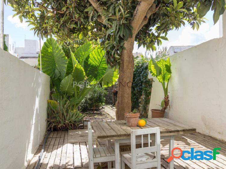 Casa con bonito patio en alaior