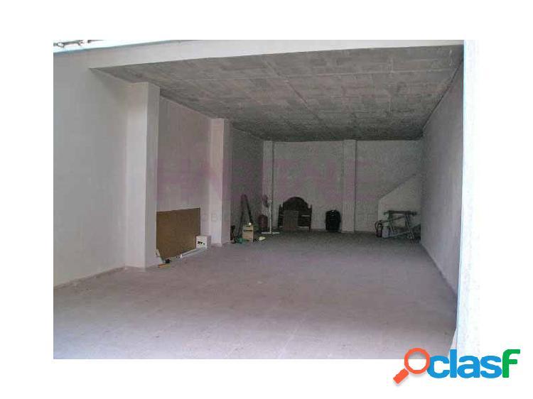 Local 86 m2 en planta baja + 64 m2 altillo. 65.000 €