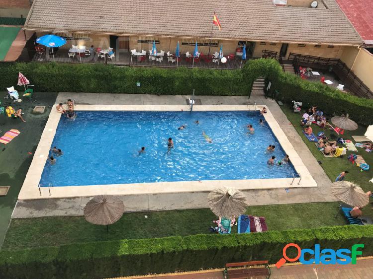 Piso céntrico con piscina en albacete