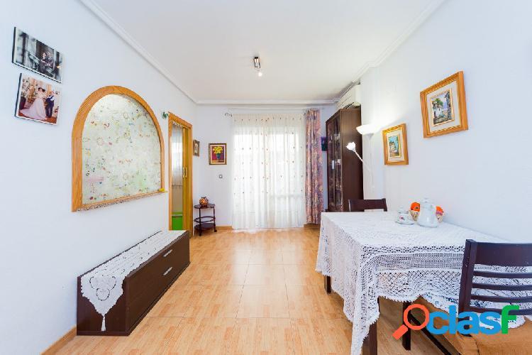 Precioso piso de 2 dormitorios en parque de las naciones