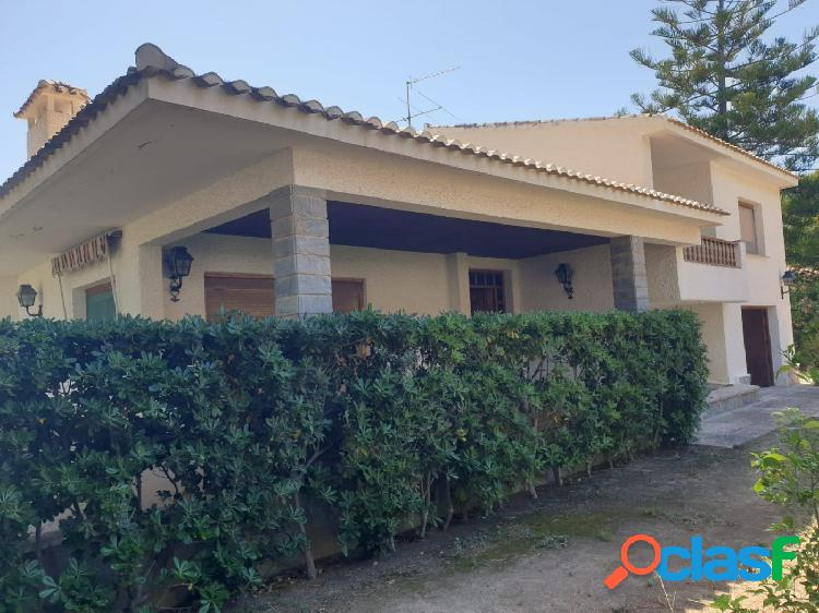 Chalet independiente en campoamor