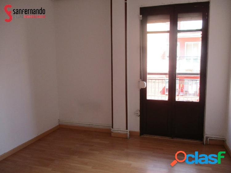 Se vende piso en Delicias - VALLADOLID. 3 Dormitorios - 1 baño. 70.432€