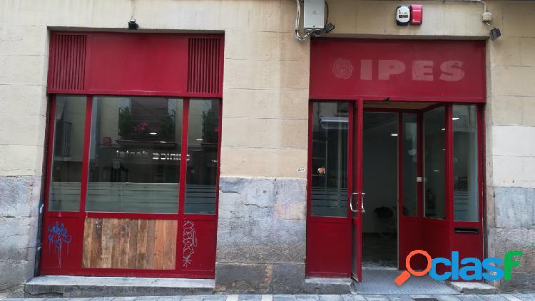 ALQUILER Local con encanto de 140 metros en la calle Tejería 800€