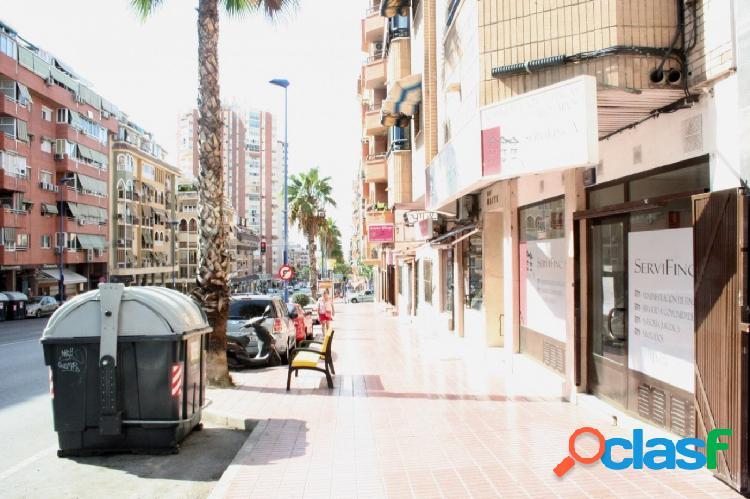 Local comercial con 170 m2 en avenida beniarda, benidorm.