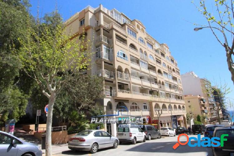 Impecable apartamento situado en el centro de calpe con vistas al mar.