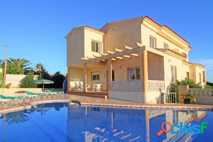 Casa perfecta para destinarla a alquiler turístico o para dos familias.