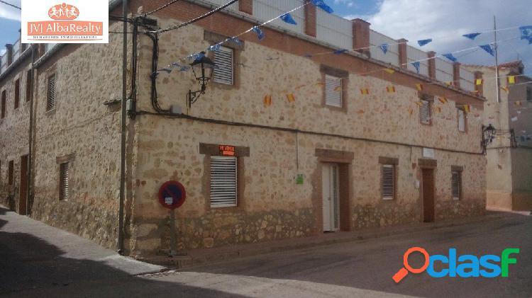 Preciosa casa de piedra restaurada en venta en higueruela