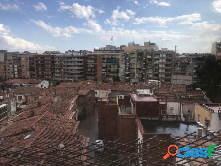 Piso de 3hab con balcón en la concordia