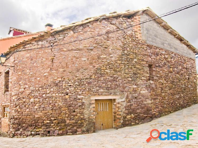 Pajar de piedra tradicional en pueblo próximo al valle de castanesa ribagorza huesca