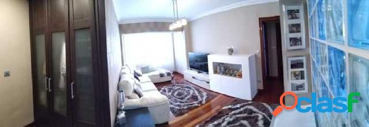 El la peña piso reformado moderno de 3 habitaciones