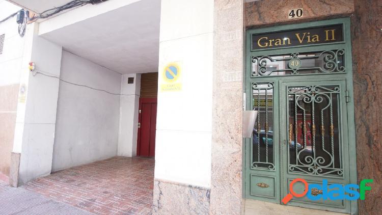 Garaje con ascensor junto guardia civil