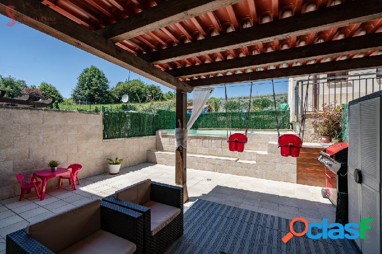 Chalet con piscina propia en Polanco 3