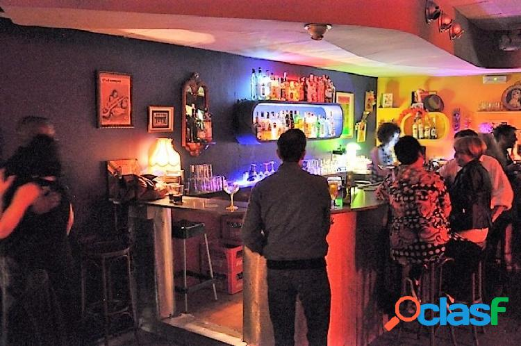 Traspaso local con licencia bar con ambientación musical