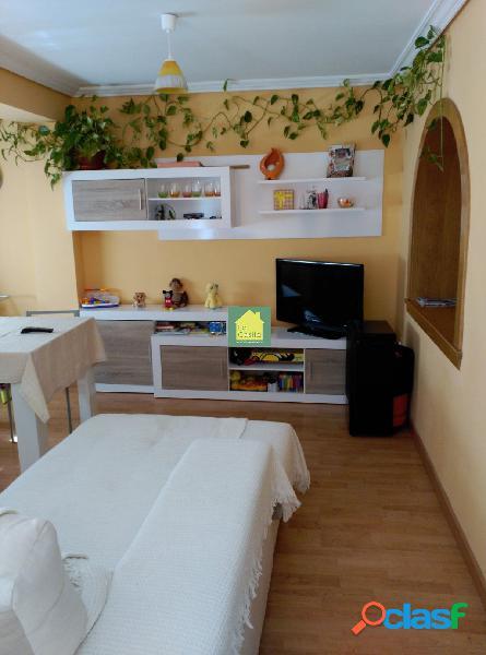 Apartamento reformado dos dormitorios