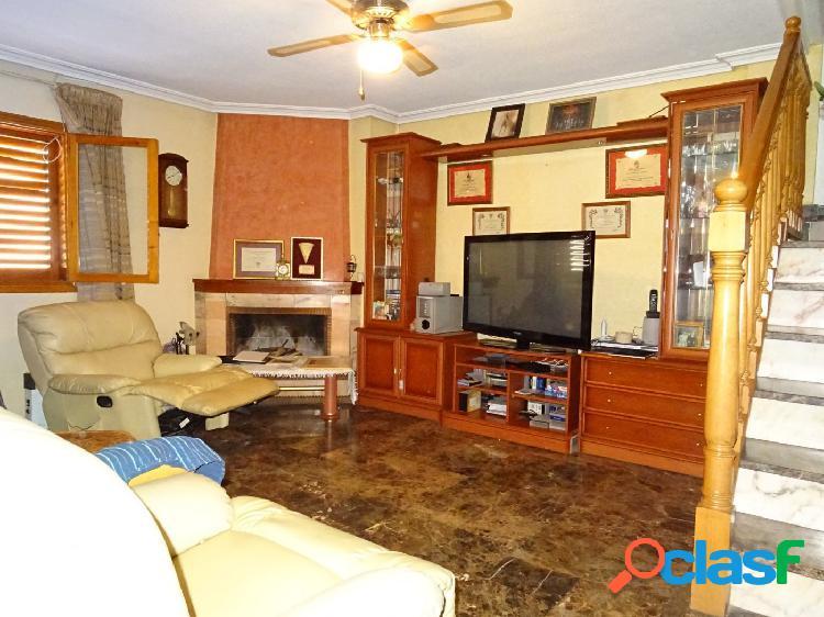 Oportunidad de venta de dos bungalow unidos a muy buen precio y en buen estado en aspe