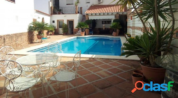 Fantástica vivienda con piscina