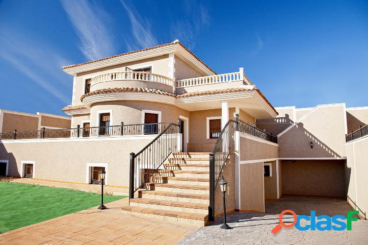 Villa de estilo mediterráneo en los altos, torrevieja !
