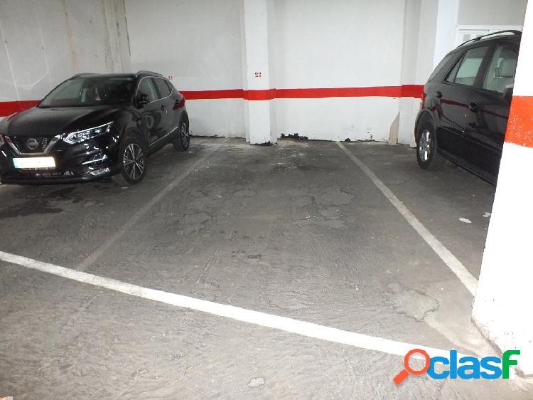 Plaza garaje subterránea grande a 100m de la playa