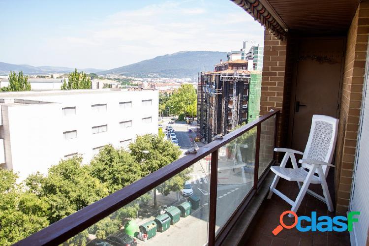 Precioso apartamento todo exterior luminoso y con vistas de 2 hab y 2 baños con garaje y trastero