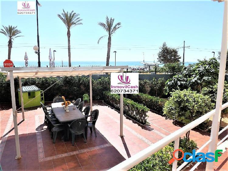 Inmovilcash vende preciosa vivienda en primera línea de mar zona playa muchavista precio 832.000€