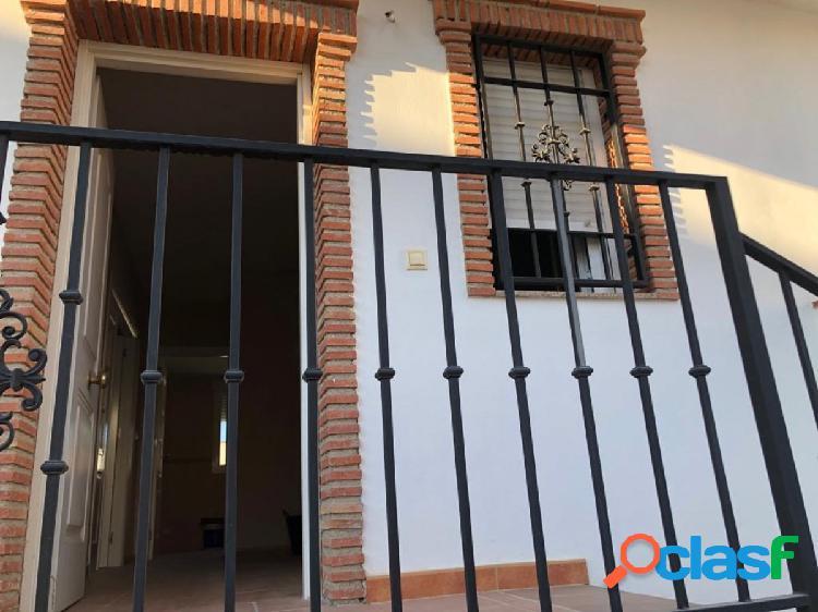 Espectacular casa haciendo esquina en venta nueva con amplias superficies y muy buenas calidades!!!
