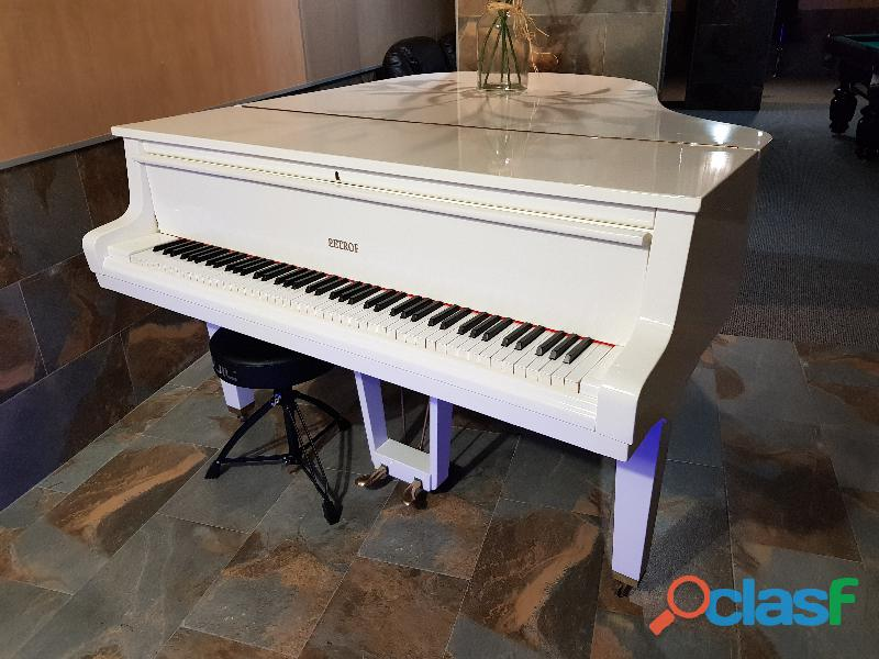 Piano petrof blanco