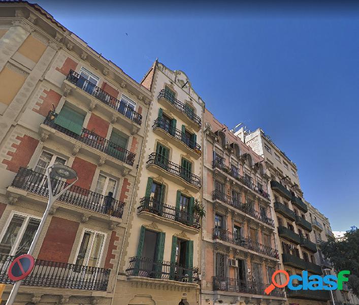 Edifico en venta en el camp de l'arpa del clot, barcelona.